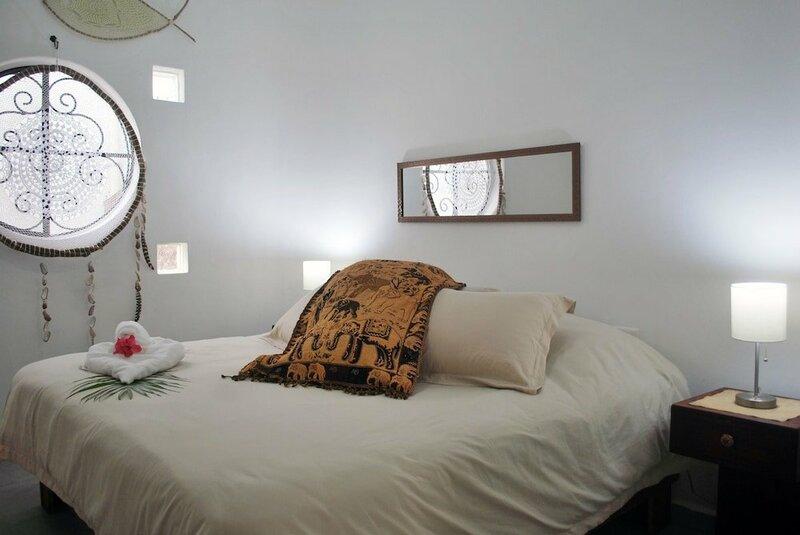 Sonido Del Mar Hotel and Yoga Loft
