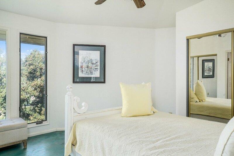 9400 Santa Rosa Road Cottage