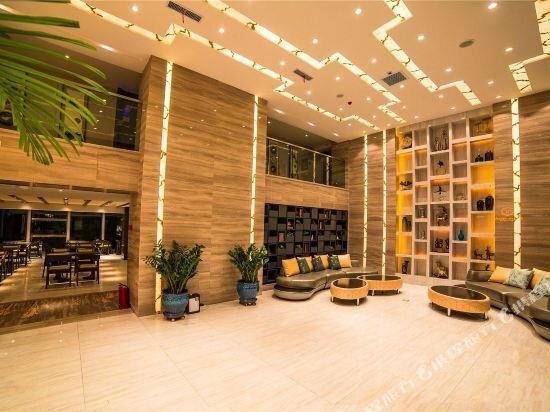 Star-Road Hotel
