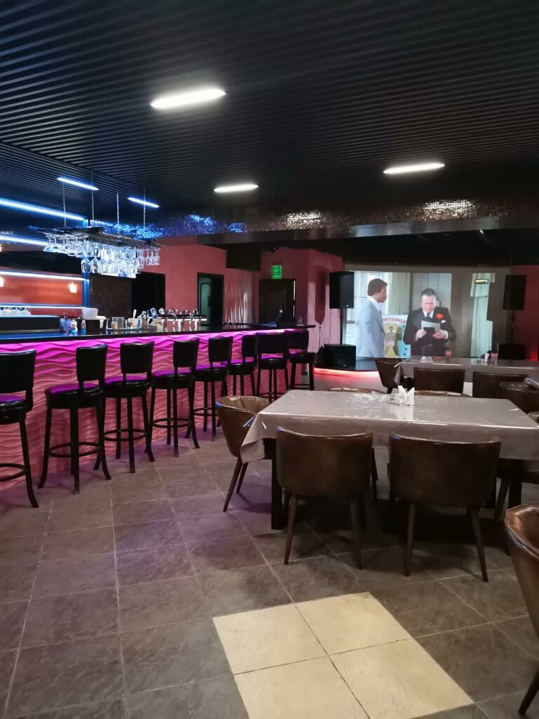 Клуб гусар в москве цены в стриптиз баре