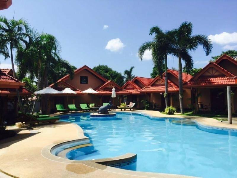 Отель Happy Elephant Resort