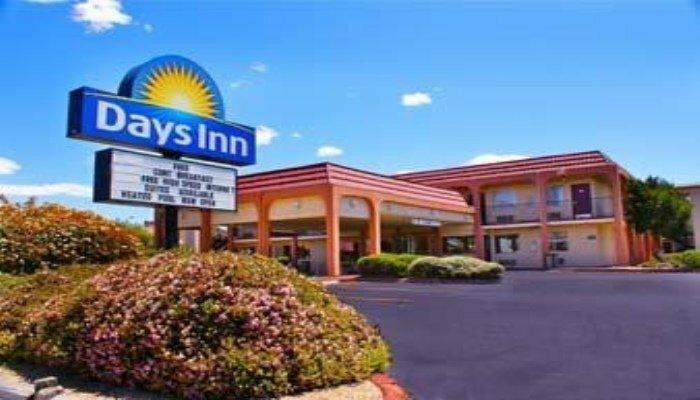Midtown Inn & Suites