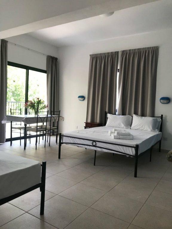 Апарт-отель Athinas Court