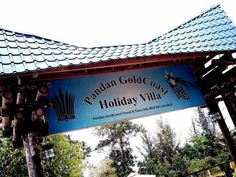 Pandan Goldcoast Holiday Villa