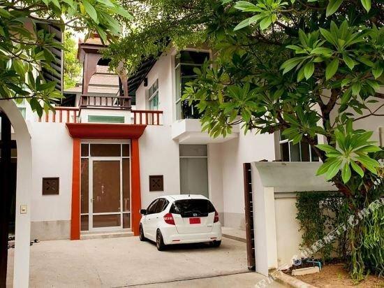 Nagawari 6 bedroom pool villa sleeps 16 Garden Standard Villa