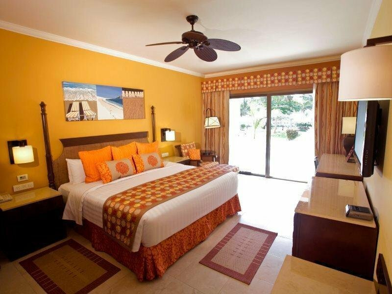 Club Premium Deluxe At Barcelo Maya Palace Deluxe