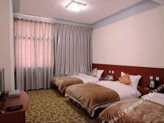 Honghe Yuanyang Duoyishu Yajieju Hostel