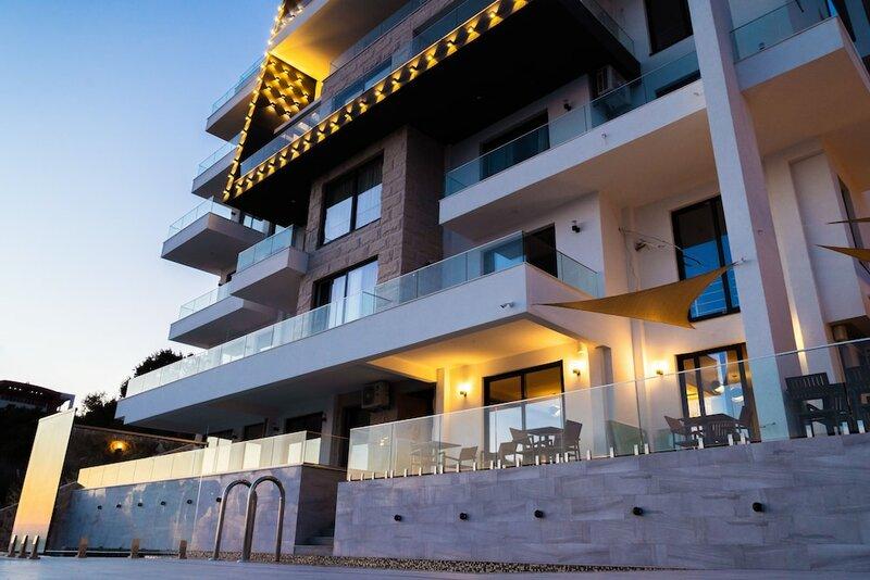 Apart-Hotel Dollaku
