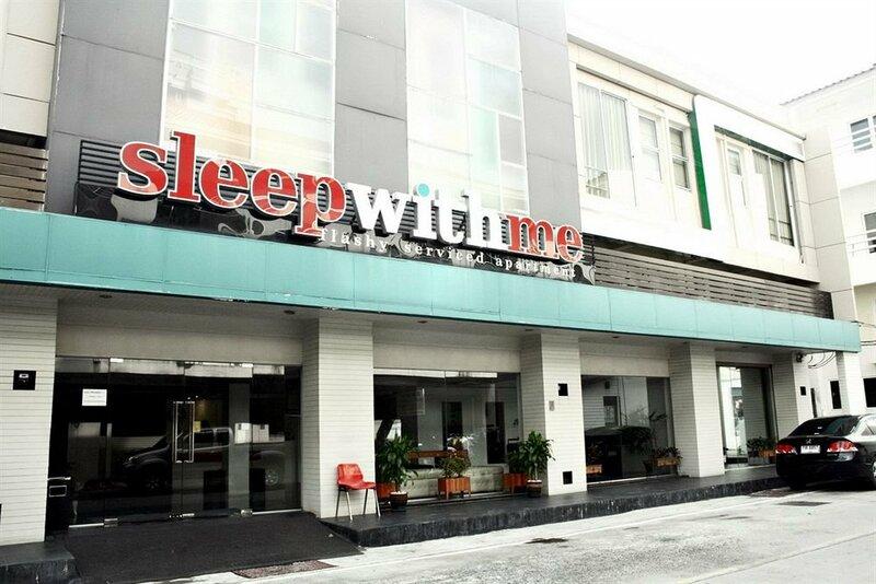 Отель Silla Loft Patong
