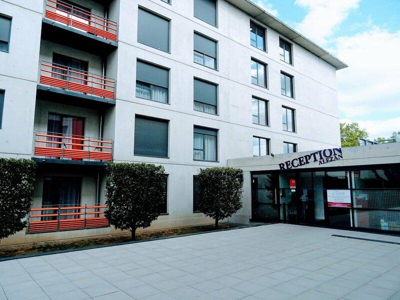 Alezan Hotel