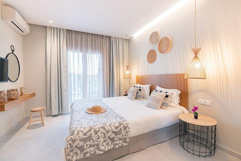 Ekati Mare Boutique Resort & Suites