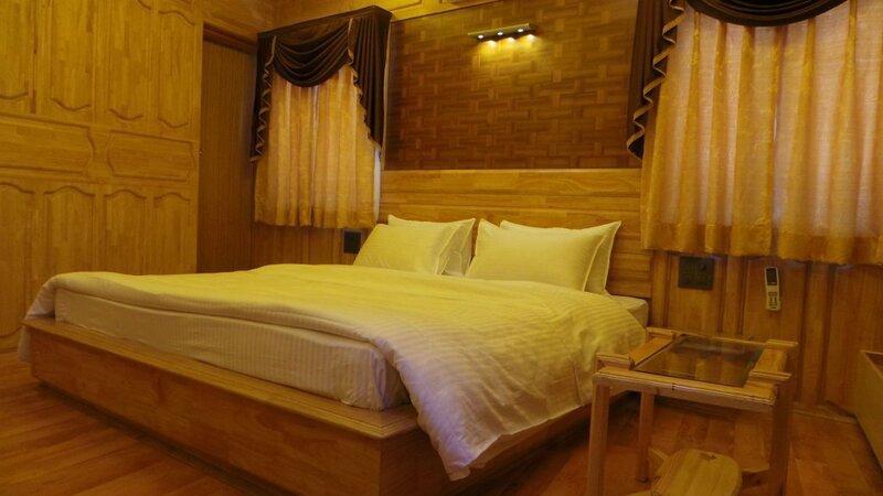 Shamyana Lodge And Restaurant