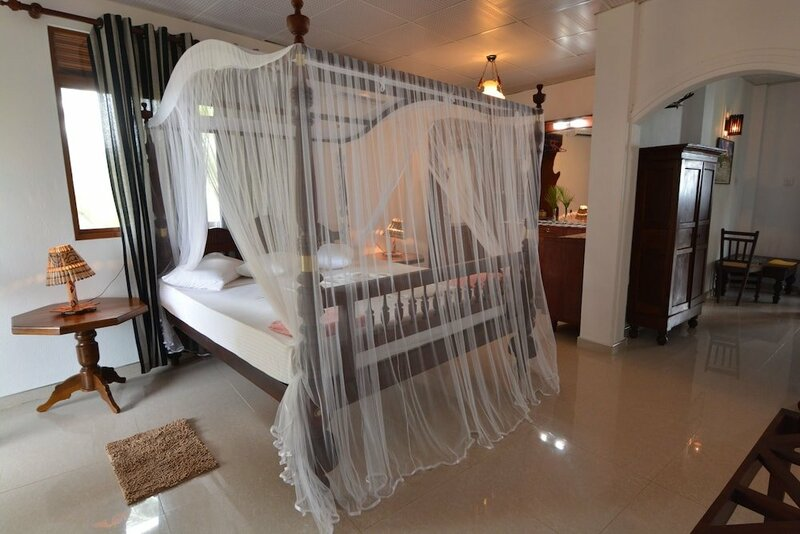 Oyo 357 Sea View Deepal Villa