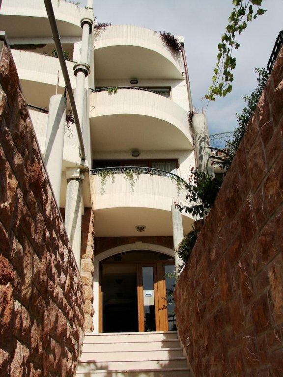 12 Room Balcony sea Side