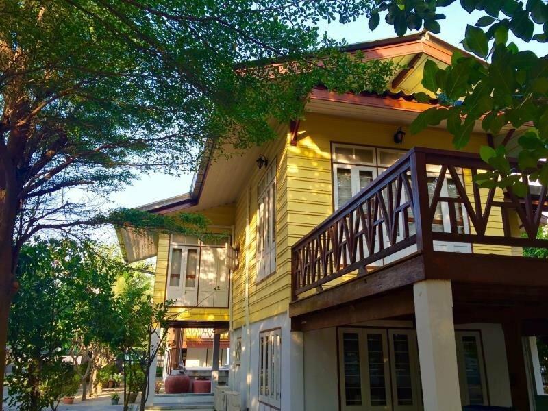 Bansuan Bangsaen Resort