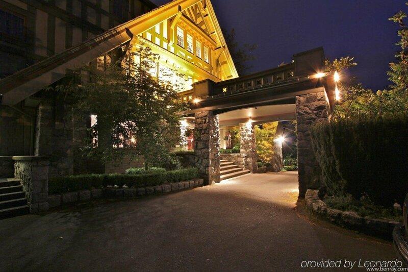 The English Inn and Resort