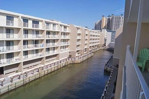Wight Bay 460 2 Br condo by RedAwning