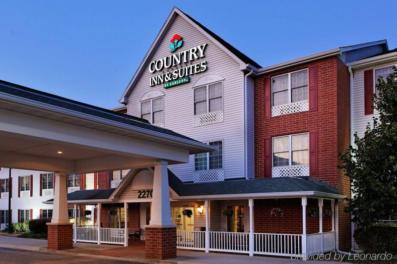 Country Inn & Suites by Radisson, Elgin, Il