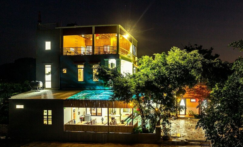 Hang Mua Central Homestay
