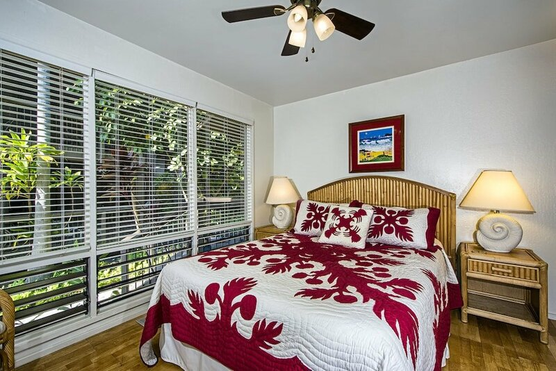 Hale Kalena - 2 Br condo by RedAwning