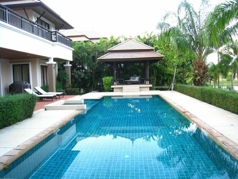Baan Suksabai Villa by Pips