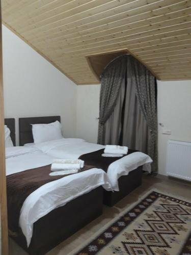 Hotel on Tabidze 42