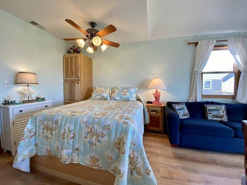 9 Nautical Nine Studio Bedroom Condo