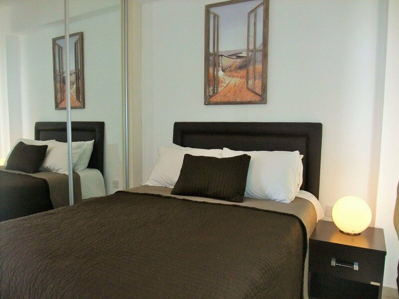Sea Cliff Villa, 4 Beds, Sleeps 2- 7, Free Wifi, Heated Pool Option