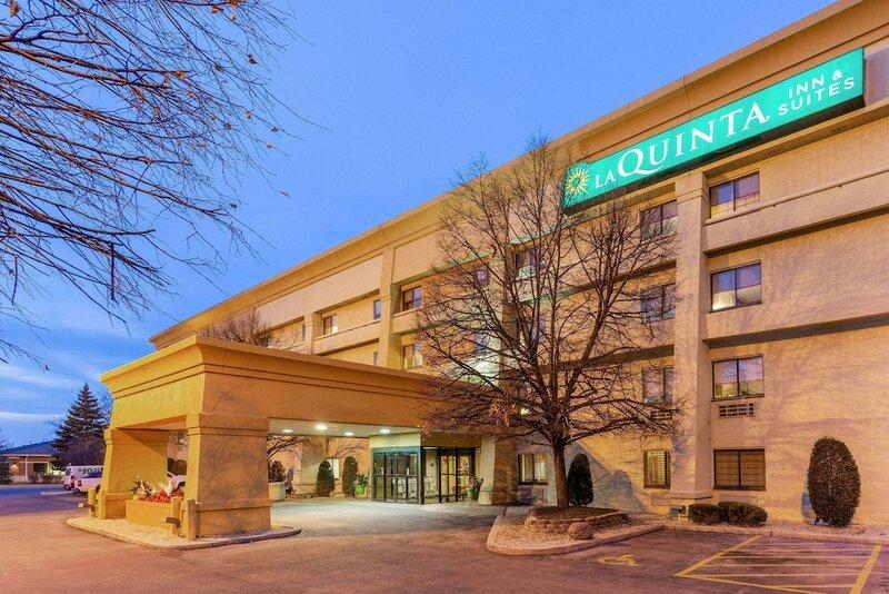La Quinta Inn & Suites by Wyndham Chicago Tinley Park