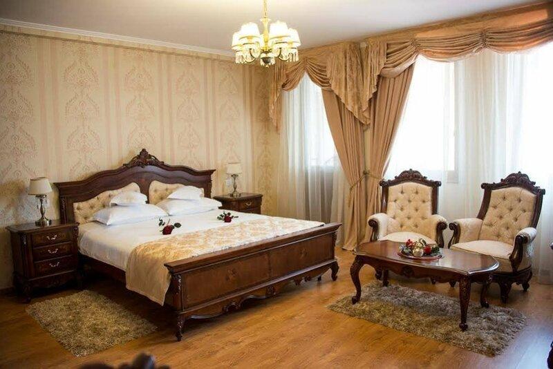 Astoria Grand Hotel