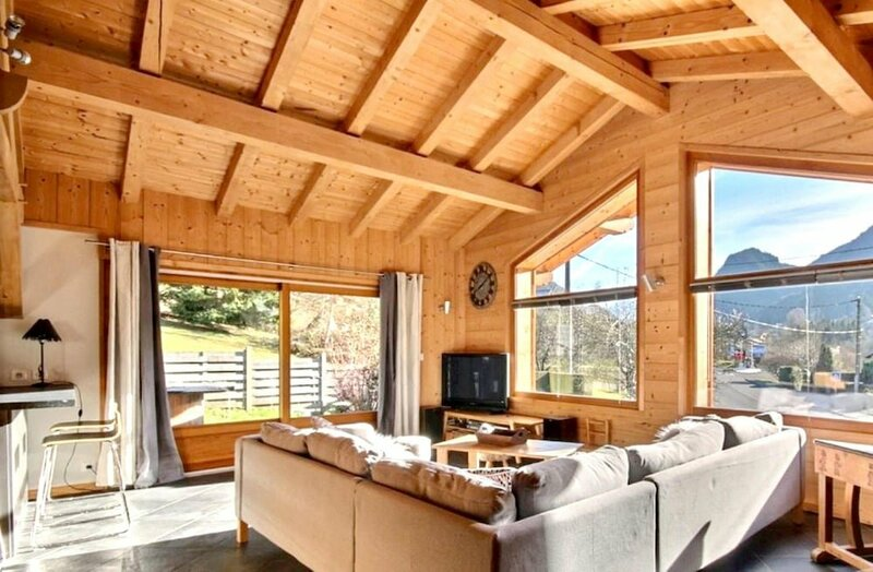 Chalet With 6 Bedrooms in Saint-jean-d'aulps, With Wonderful Mountain