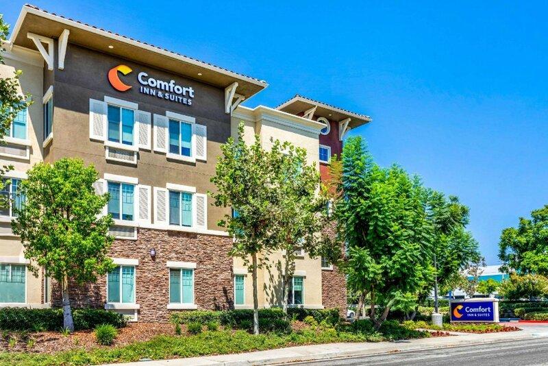Comfort Inn & Suites near Ontario Airport