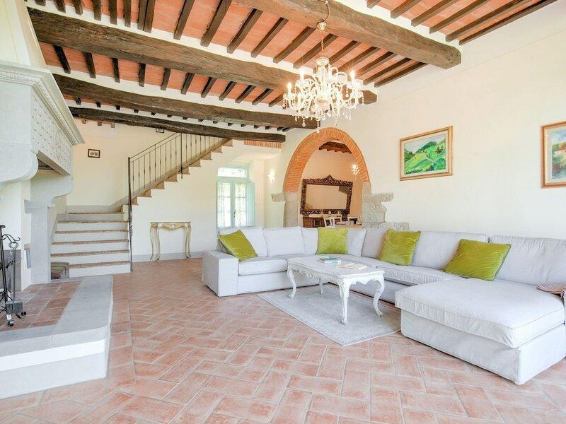 Spacious Villa in Castiglion Fiorentino Italy With Pool