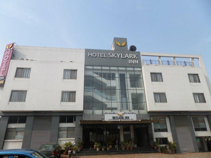Hotel Skylark Inn