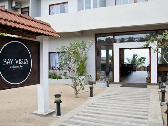 Bay Vista Hotel
