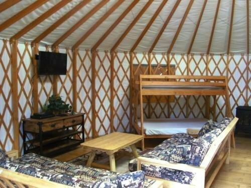 Bend Sunriver Camping Resort Studio Cabin 8
