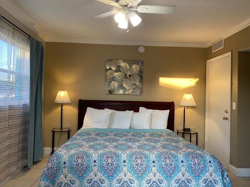 Island Cay Hotel - Clearwater Beach