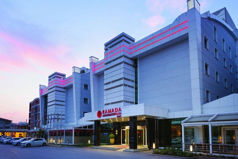 Отель Ramada Plaza by Wyndham Izmit