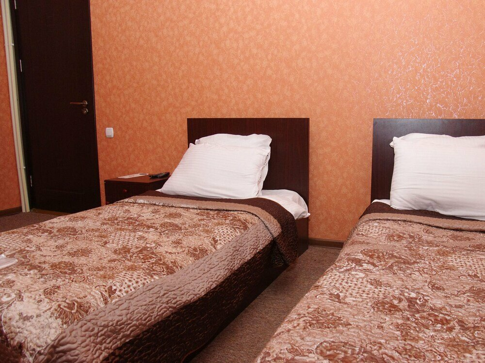 гостиница — Hotel King Edward — Тбилиси, фото №1