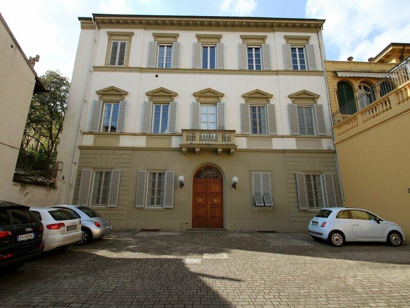 Piazza D'Azeglio - One Bedroom