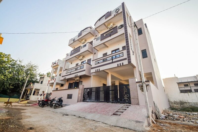 Oyo Home 24299 Exotic 2bhk