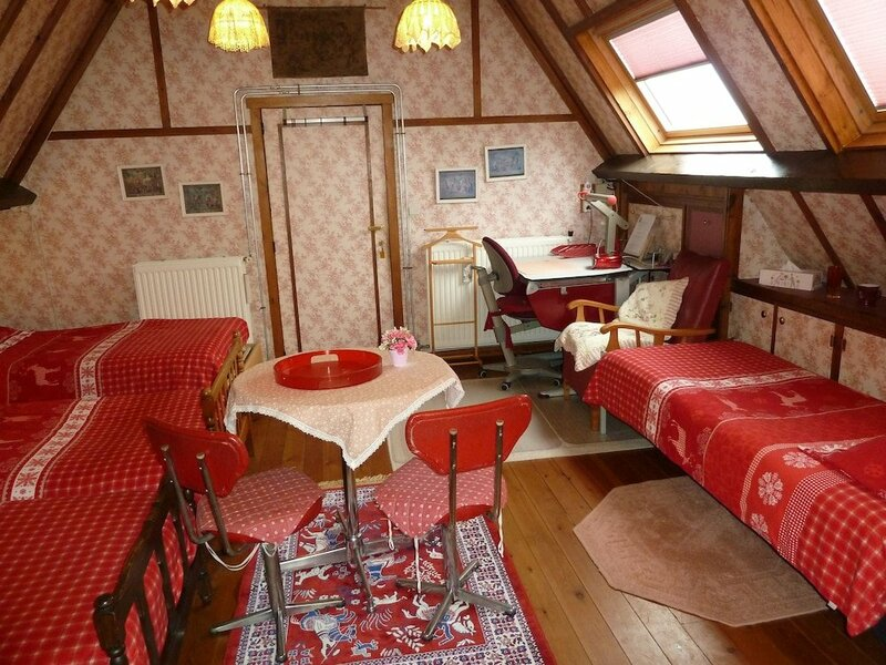 Bruges Style Cosy Villa Bb in Green Environment 8 km From Brussels