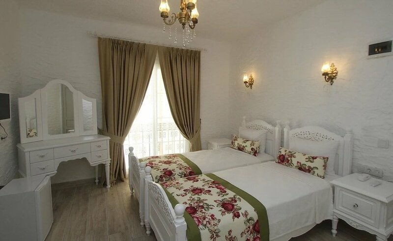 Alya Mou Butik Otel