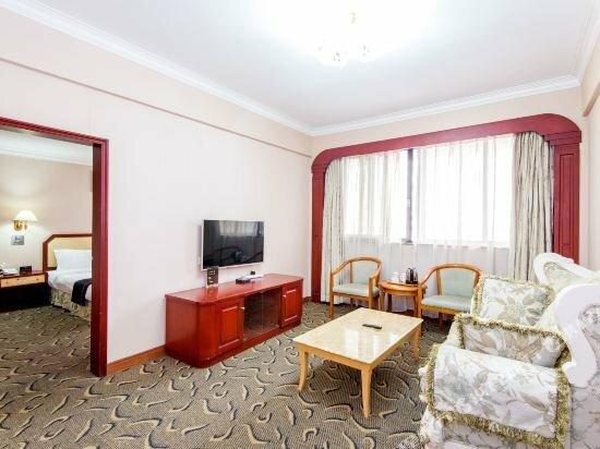 Guofeng Hotel