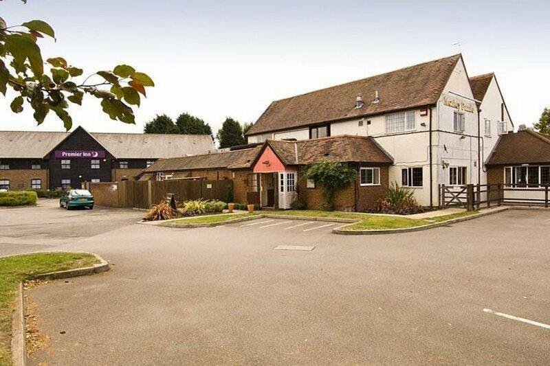 Premier Inn Farnborough West