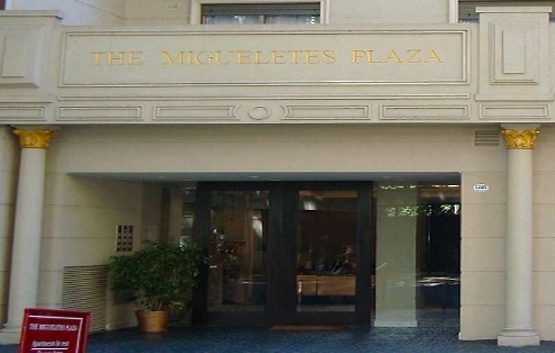 Migueletes Plaza