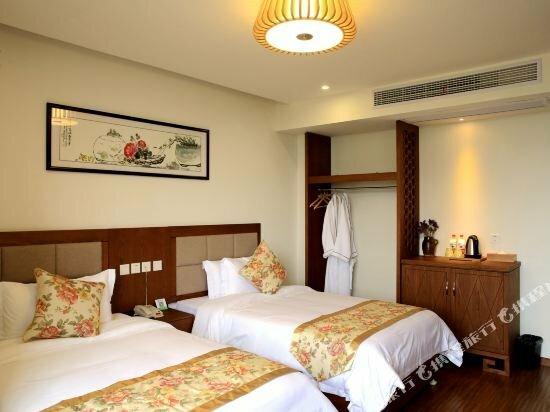 Xianshanhu Village Hotel