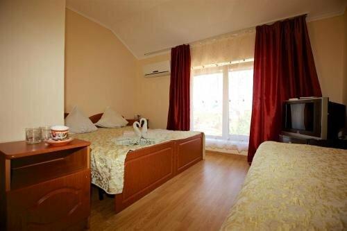 Guest House on Tsentralnaya 1b