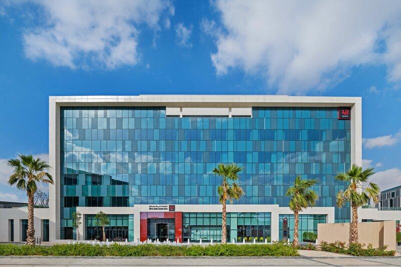 Radisson Red Dubai Silicon Oasis