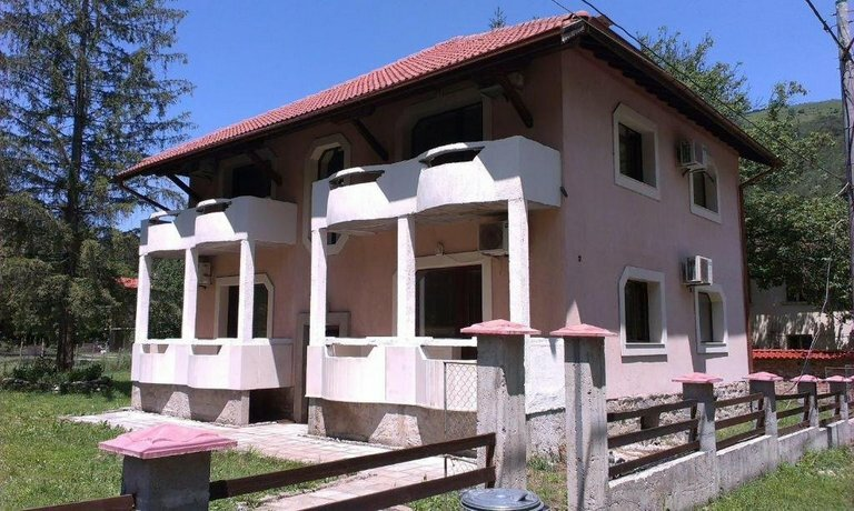 Kostina Guest House